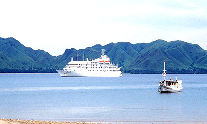komodo trip,from cruise ship,cruise handling komodo,komodo national park,visit komodo island,cruise ship handling,komodo cruise ship